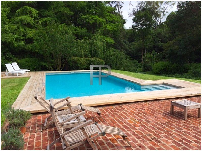 House for sale Punta del Este: Poolside deck