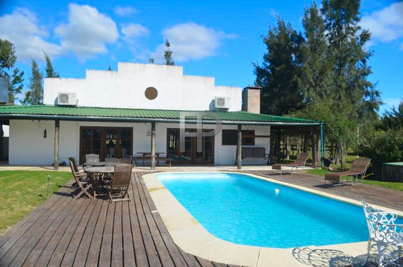 country house for sale san carlos
